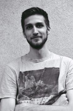 Lukas H.   IT